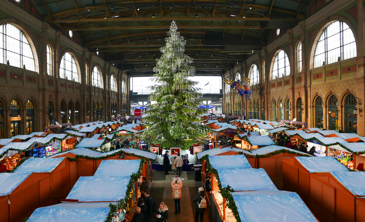 christkindlimarkt hauptbahnhof z rich zurich by tram. Black Bedroom Furniture Sets. Home Design Ideas
